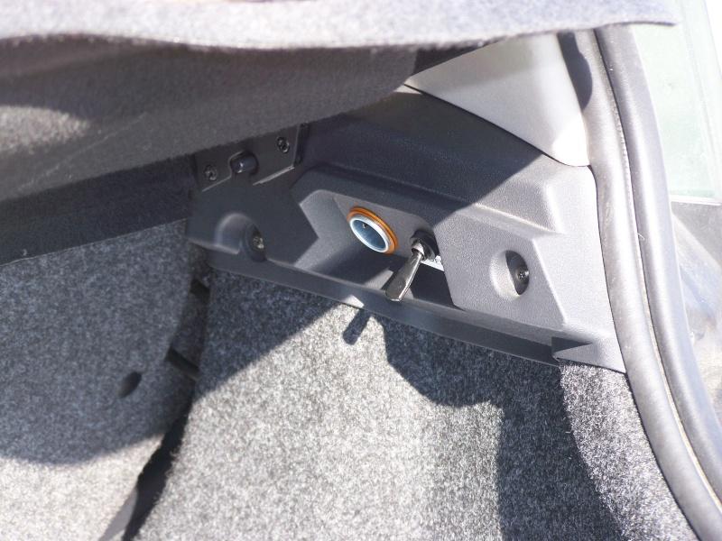image Prise dans le coffre de la voiture