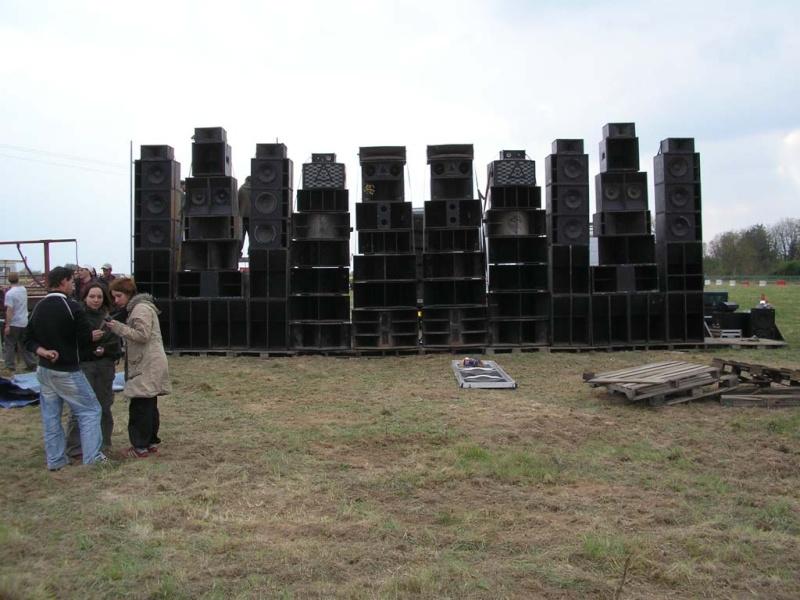 subsonik sound system page 1 pr sentation des sound systems collectifs bass expression. Black Bedroom Furniture Sets. Home Design Ideas