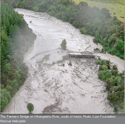 Catastrophes naturelle : Coulée de boue  dans Le coin des photos lahar_10