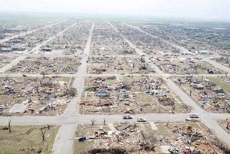 Catastrophes naturelle : Tornade  dans Le coin des photos tornad12