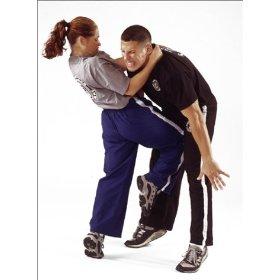 les femmes dans les sports de combat et dans les arts martiaux. Black Bedroom Furniture Sets. Home Design Ideas