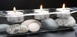 une ide pour une salle de bain zen un photophore en verre transparent quon peut personnaliser en y glissant des coquillages des galets - Accessoire Salle De Bain Zen