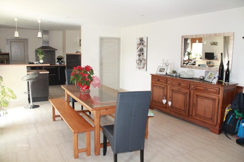 conseil peinture et ou meuble pour piece vivre. Black Bedroom Furniture Sets. Home Design Ideas