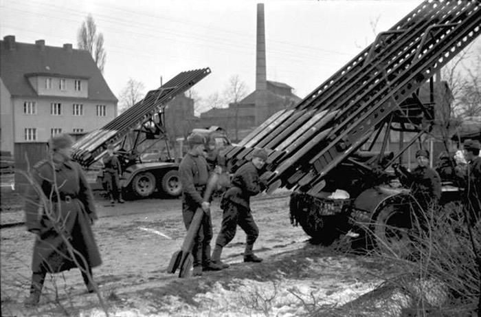 1945-b10.jpg