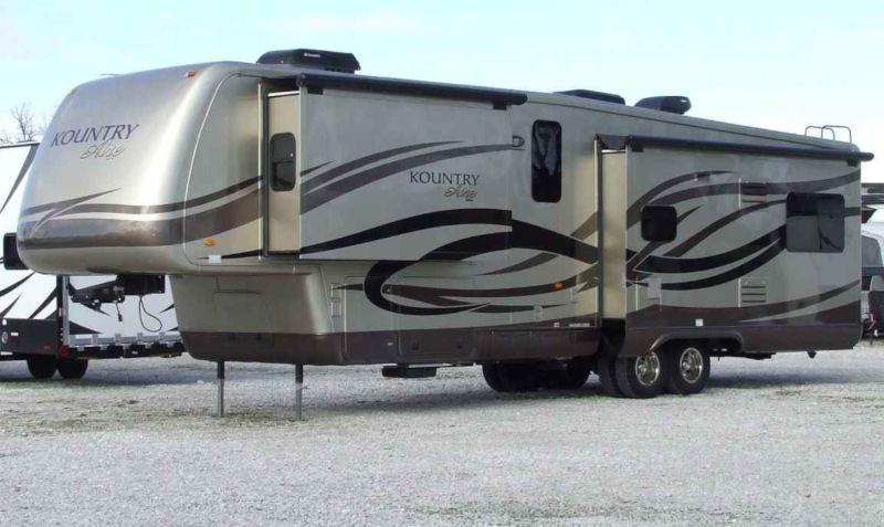 accident d 39 un maxi camping car am ricain jurignac charente. Black Bedroom Furniture Sets. Home Design Ideas