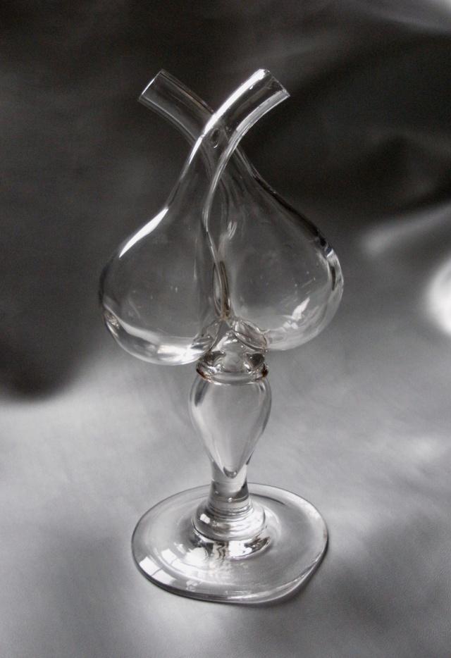 un huilier vinaigrier verre ancien dit gu doufle. Black Bedroom Furniture Sets. Home Design Ideas