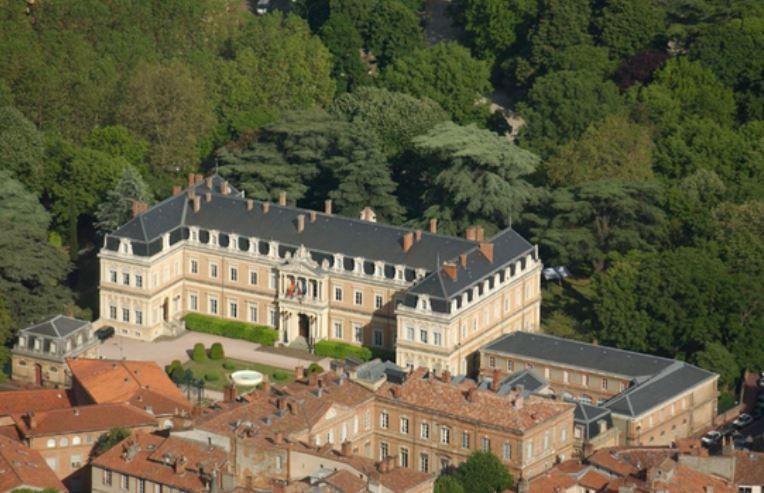 Les casernes niel for Jardin niel toulouse