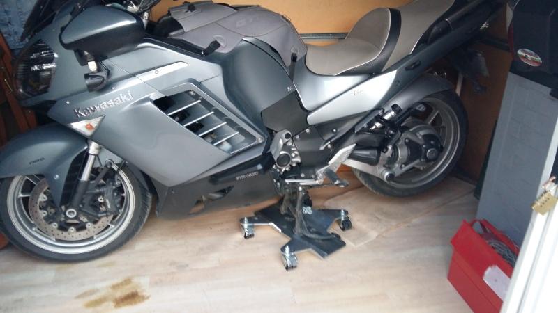 range moto. Black Bedroom Furniture Sets. Home Design Ideas