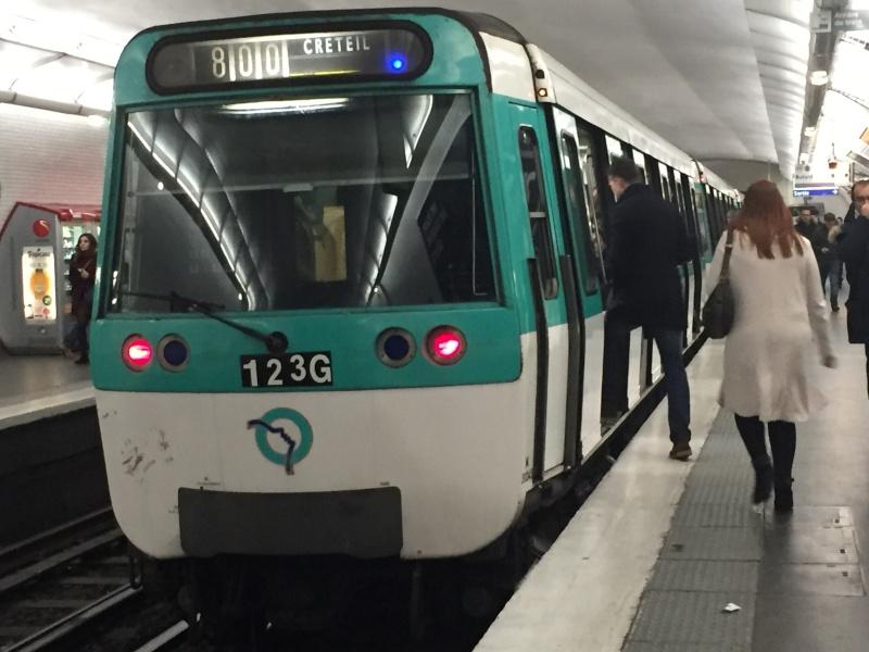 MF77 ligne 8
