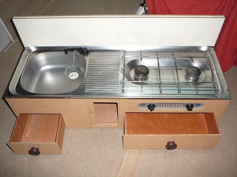 Caravane meubles int rieur de caravane comment l 39 am for Meuble cuisine camping car