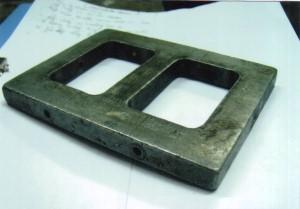 Một khung nhôm sử dụng trong quá trình ép mô silicon hay cao su