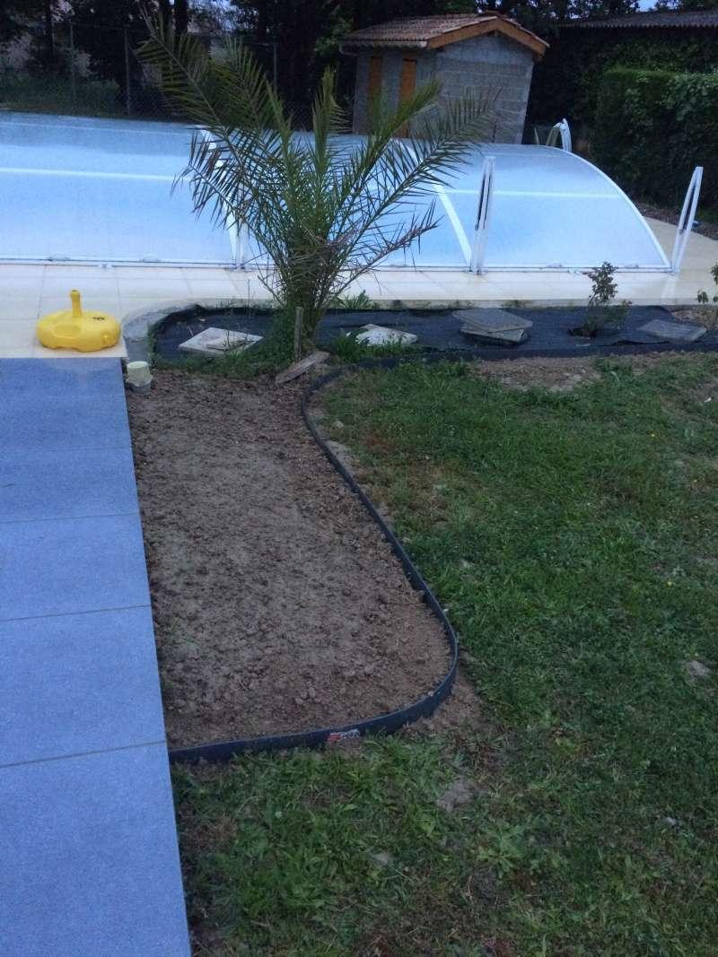 Bordure de jardin pour gravier for Installer gravier jardin